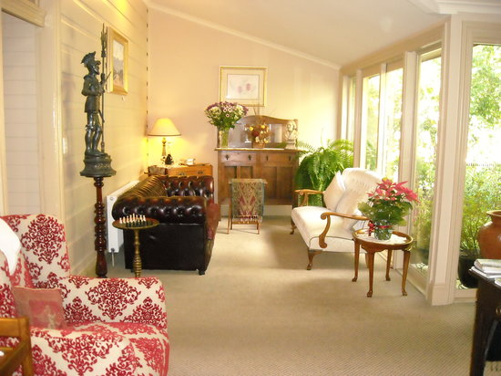 Lurline House: One of the Sitting Areas