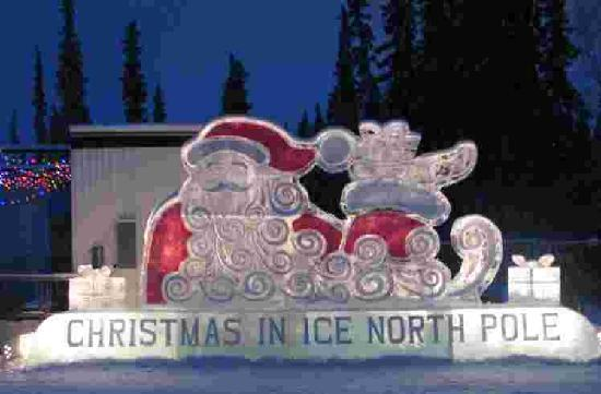 Riverbend Log Cabins & Cottage Rentals: Ice Sculpture at nearby North Pole