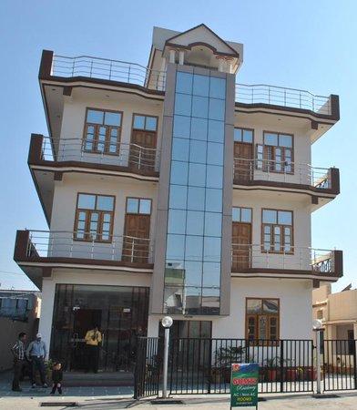 Hotel Gomti Residency