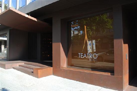 Hotel Teatro Porto: L'INGRESSO