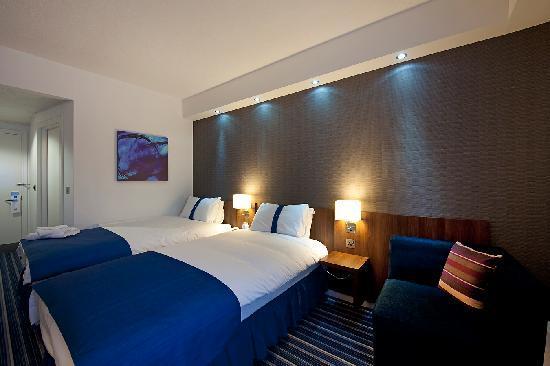 Holiday Inn Express Belfast City Queens Quarter: Twin Bedroom