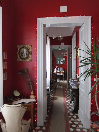5 Balconi: Red walls are always fun.