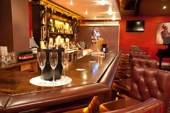 Arlington Hotel O'Connell Bridge: Sinatra's Bar & Grill