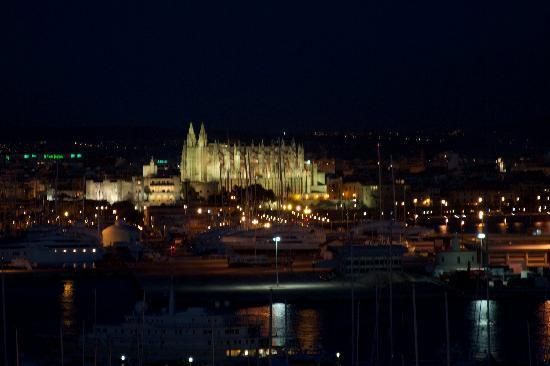 Catalonia Majorica Hotel: Cathedral at Night from Balcony
