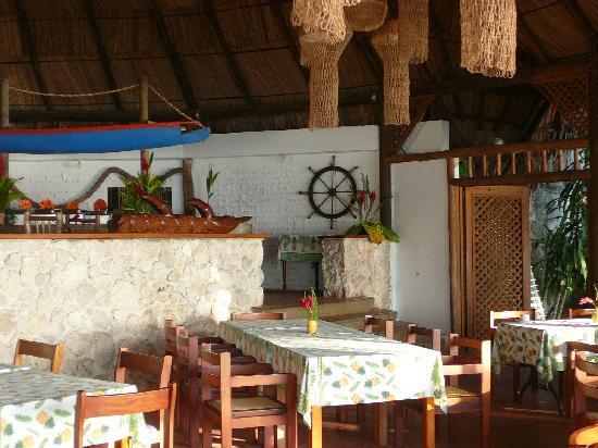 Hotel Villa Caribe: Dining room.
