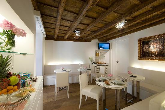 Gigli d'Oro Suite: Breakfast Room