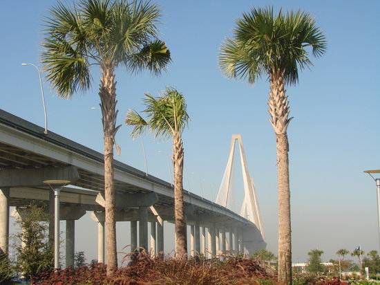 Mount Pleasant Memorial Waterfront Park: Ravenal Bridge over the Park