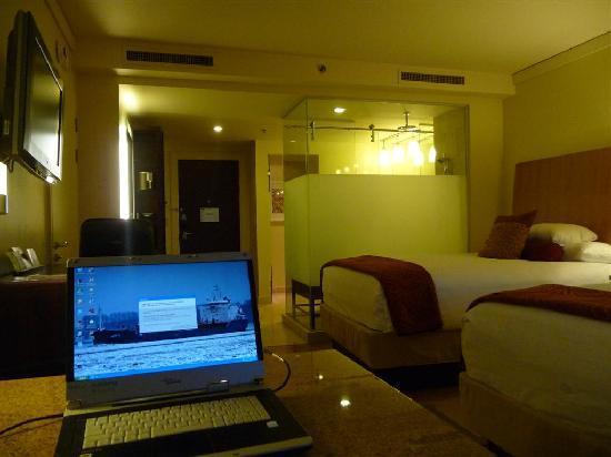 هياة ريجينسي ترينيداد: bedroom looking in
