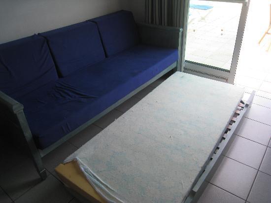 Hotel Servatur Terrazamar Suite & Sun Suite: The Main area sleeping arrangements