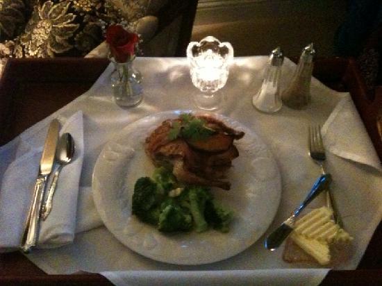 Cozy Rose Inn: dinner