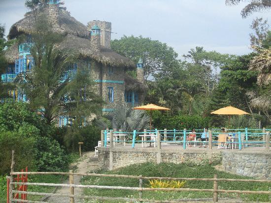 Alandaluz Hosteria y Pueblo Ecologico: Outside looking in from beach