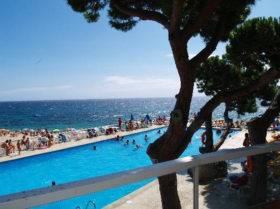 H.TOP Caleta Palace: piscina con vistas