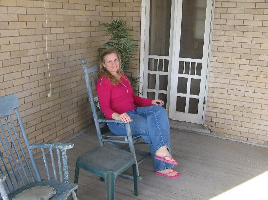 Katy House Bed and Breakfast: Texas Special Balcony