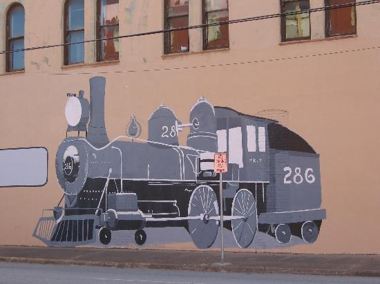 Katy House Bed and Breakfast: Train drawn on a wall downtown