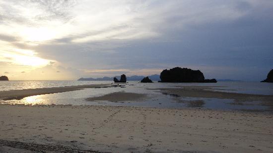 Tanjung Rhu Resort: mer en marée basse en fin de journée