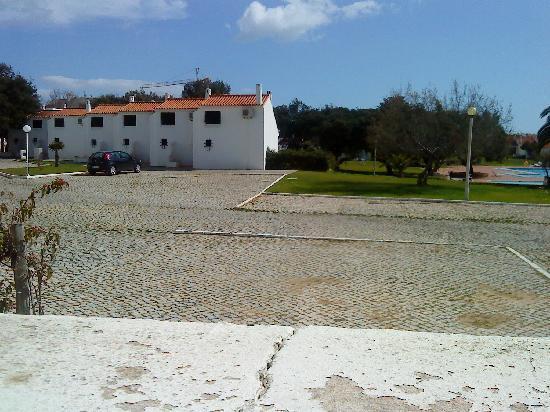 Vilanova Resort: Rear view of the Bungalows, which had a mezzanine bedroom