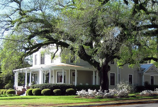 Thomasville, GA: Step back in time to yesteryear when you stay at this proud and gracious Queen Anne Victorian