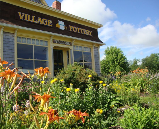 New London, Canada: Village Pottery