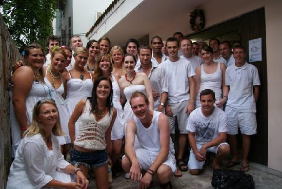 Beach Backpackers Hostel Rio de Janeiro: Guests and Staff