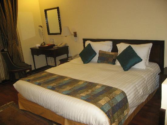 Crowne Plaza Kathmandu-Soaltee: Nuestra cama de ancho especial