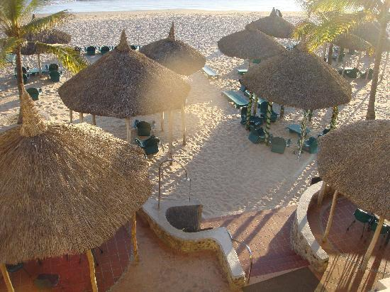 Hotel Playa Mazatlan: Beach from balcony