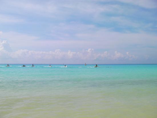 Iberostar Tucan Hotel : Blue sea