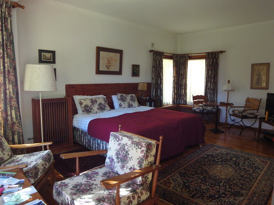 Bellevue Bed & Breakfast: Our room
