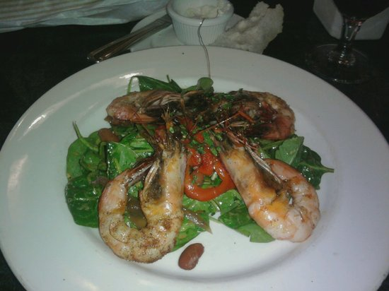 Palace Cafe: Seared Shrimp Salad with Red Bean Vinaigrette