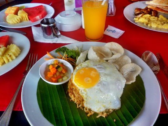 The Taman Ayu: tasty East meet West brkfst ;-)