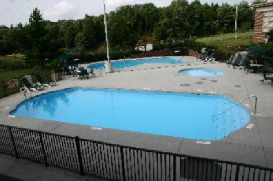 Best Western Plus Morristown Conference Center Hotel : Our Swimming Pool