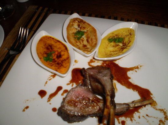 Le Roof : Rack o' lamb with 3 gratins