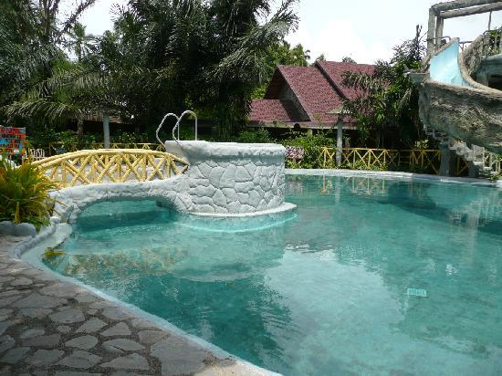 Rooms picture of villa escudero tiaong tripadvisor Villa escudero room pictures