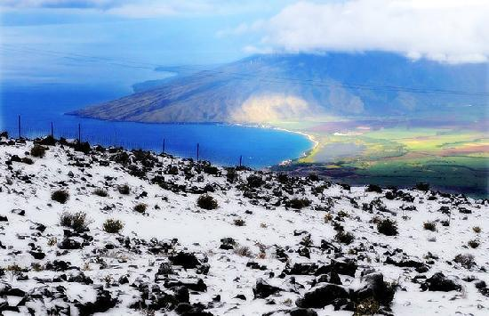 Paia, ฮาวาย: Snow on Haleakala, Maui.