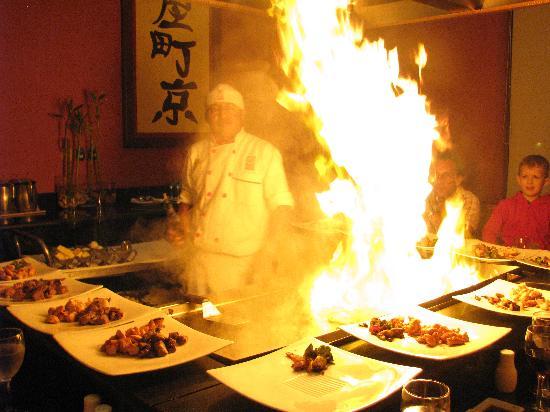 Las Hadas By Brisas: spectacle au restaurant japonais Mikado