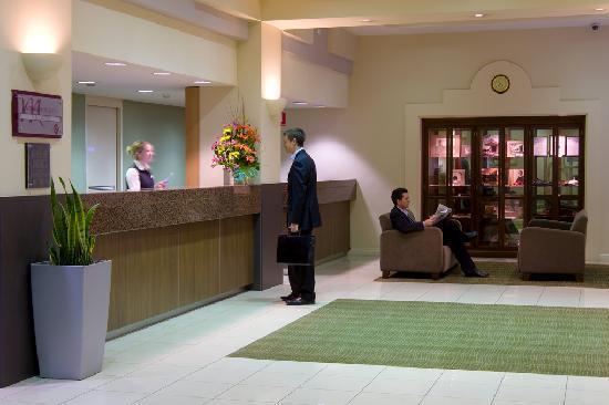 Mercure Grosvenor Hotel: Reception Area