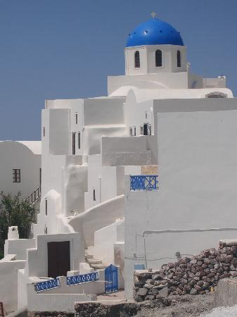 Santorini, Greece: The magic of white washed  walls with Blue domes ...