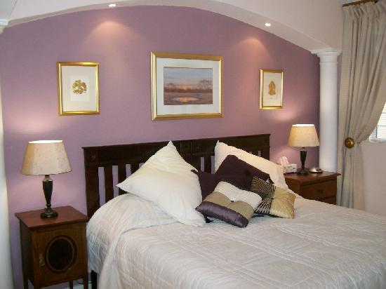 Highcliffe House Luxury Self Catering Suites: Pinotage Suite