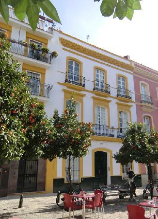 Hostel One Sevilla Centro - Outside