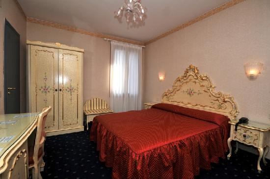Hotel Diana: TRIPLE