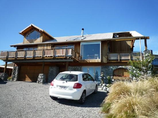 Glacier Rock Bed and Breakfast: The House.