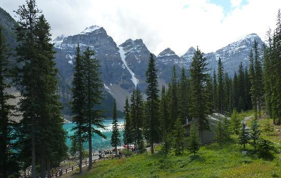 Moraine Lake Lodge: Wow what a Great view from our room!