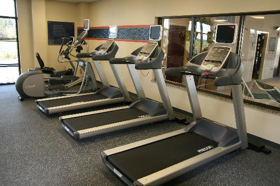 Hampton Inn & Suites Woodstock: Our Fitness Center