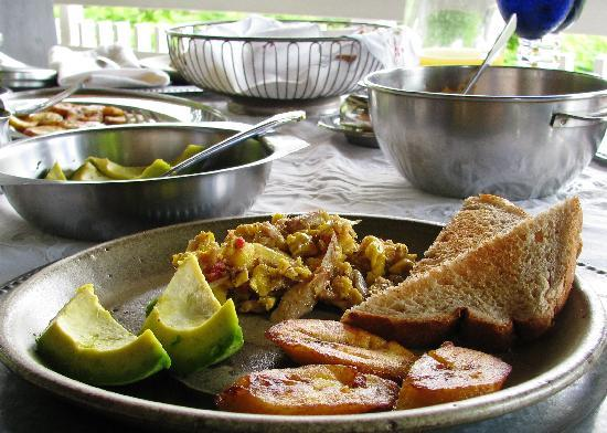 Neita's Nest : Ackee and Saltfish, our National Dish