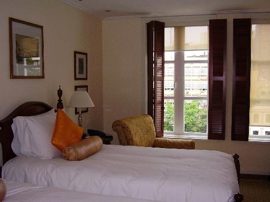 Park Hyatt Saigon: room