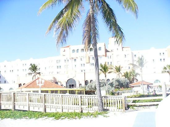 Hollywood Beach Resort Cruise Port Hotel: A view of the hotel from the beach.
