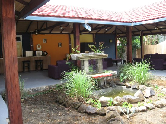 Eco Divers Resort Lembeh: Soothing fountain