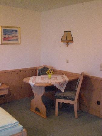 Hotel Residenz Beckenlehner: tavolino