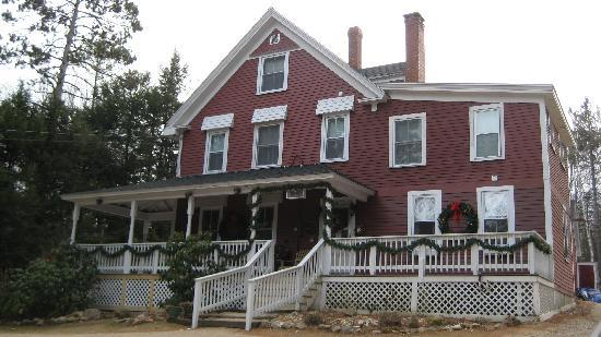 Bartlett Inn: Main Building