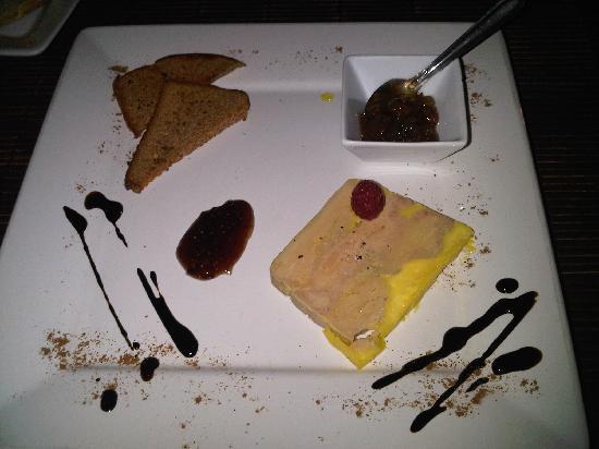 Assiette de foie gras mi cuit du p rigord pain d 39 pice - Decoration assiette de foie gras photo ...
