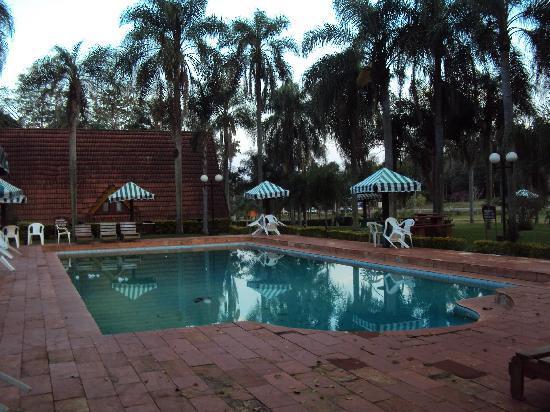 Complejo Turistico Americano: 2.-Pto.Iguazú-Complejo Americano: piscina de uso restringido